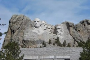 mt__rushmore_w_visitor_center_visible