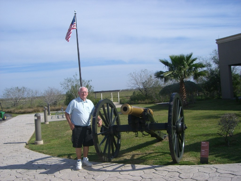 Bob with 18-pounder cannon