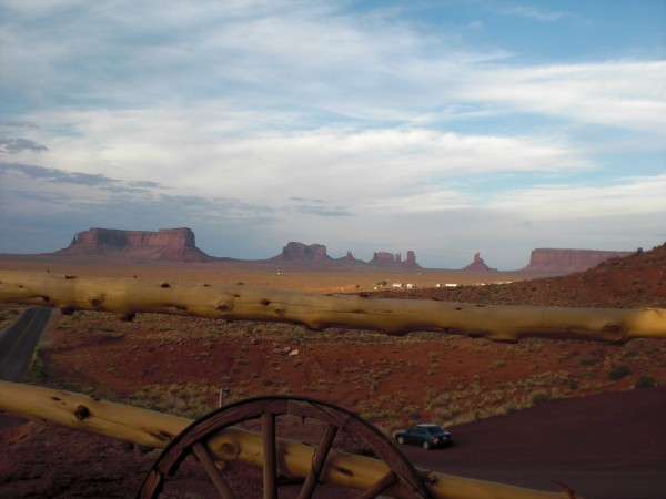 An awesome view of Monument Valley