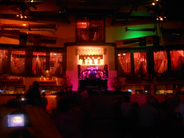 The Wurlitzer Pipe Organ at Organ Stop Pizza